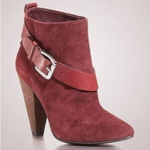 New Guess CAROLYN Dark Red Suede Ankle Booties 9